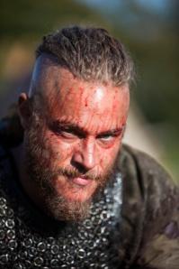 Ragnar-ragnar-lothbrok-34131736-293-440